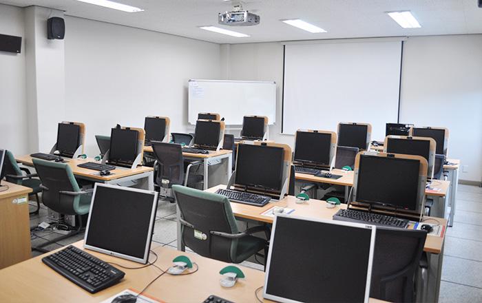 교육2실(본부동 3층)